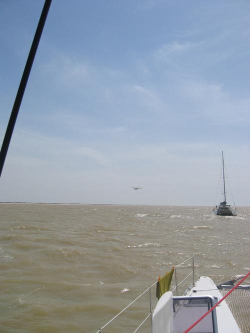 06 Le survol d'un avion...